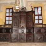 Sacrestia : Altare ligneo e reliquiario . Opera del minusiere torinese Sebastiano Stroppiana da Torino ( 1^ metà del 1700 ).